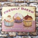 Blechschild - Cupcakes freshly baked - Schild im Antik...